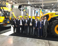 "Jcb: doppietta al concorso ""Machine of the Year 2017"""