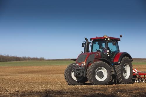 Valtra serie S, il trattore ideale per lunghe giornate lavorative