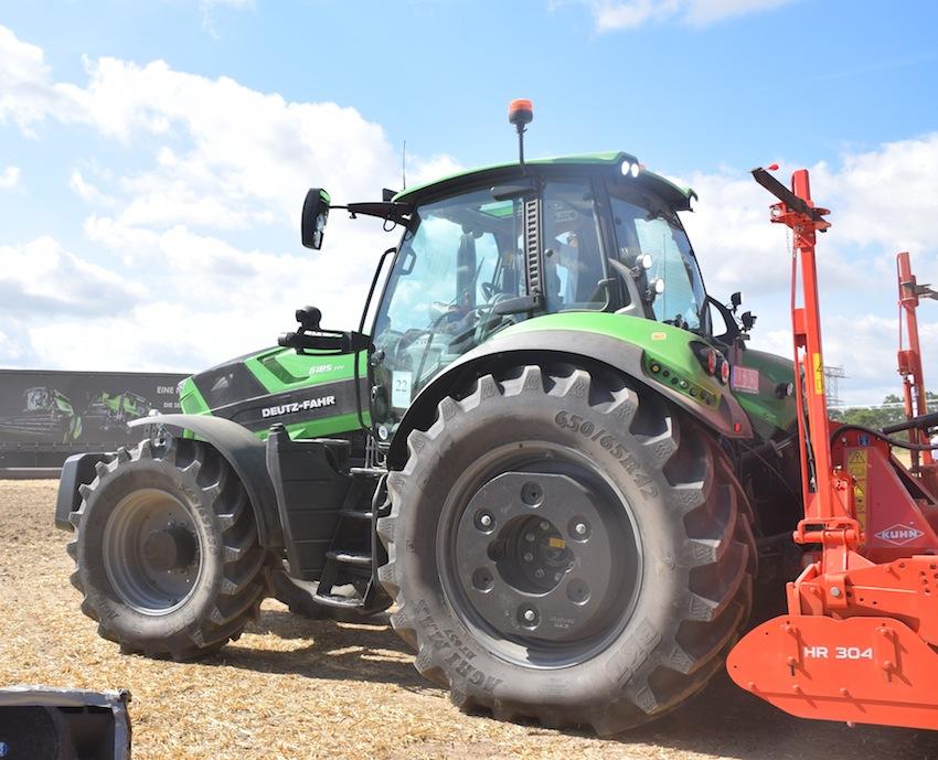 Bkt equipaggia la nuova generazione di trattori Deutz-Fahr