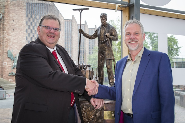 Massey Ferguson: in mostra a Coventry la scultura raffigurante il fondatore