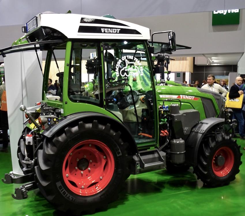 """Il T254 Versu Smart Touch di Valtra è il """"Tractor of the year 2018"""""""
