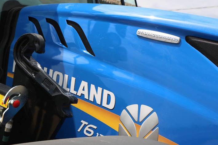 New Holland T6 Dynamic Command, con nuovo Semi Powershift a 3 gamme e 8 rapporti