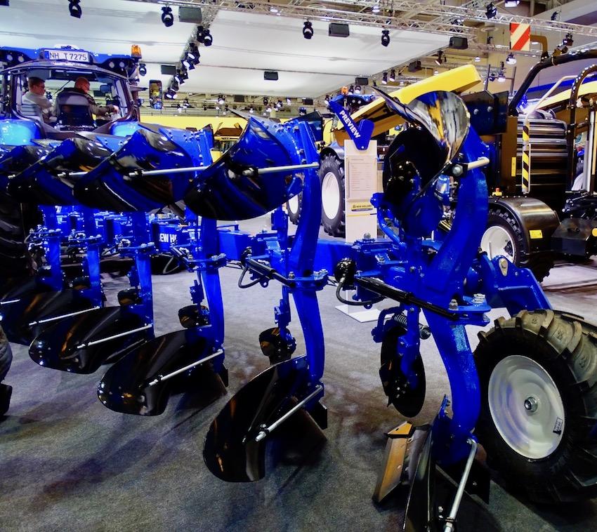 New Holland: tutto pronto per la commercializzazione delle nuove attrezzature agricole