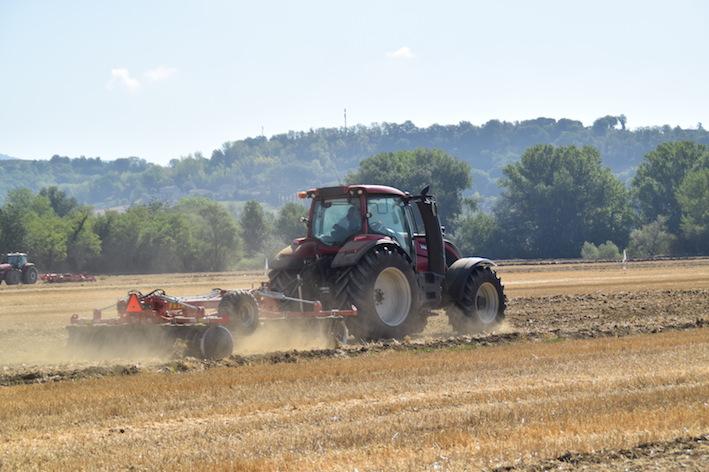 Macchine agricole: il ridimensionamento dopo l'euforia nel Barometro del Cema