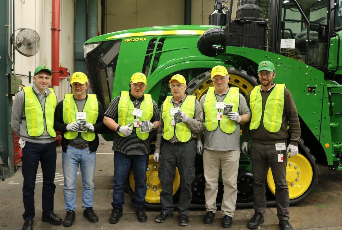 John Deere: cento trattori venduti in Europa per la serie 9R