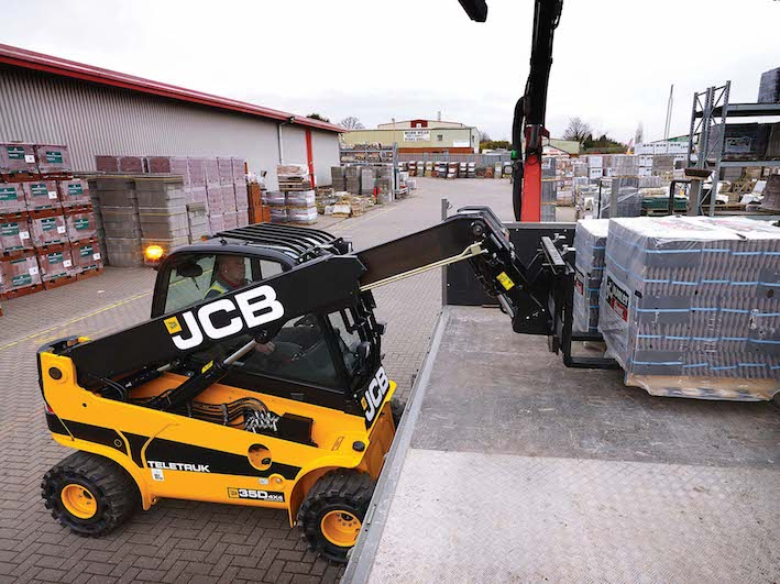 Jcb Teletruck, cinque macchine in una