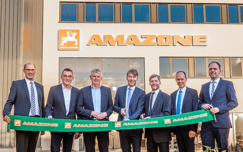 Amazone inaugura il nuovo stabilimento di Bramsche e acquisisce Schmotzer