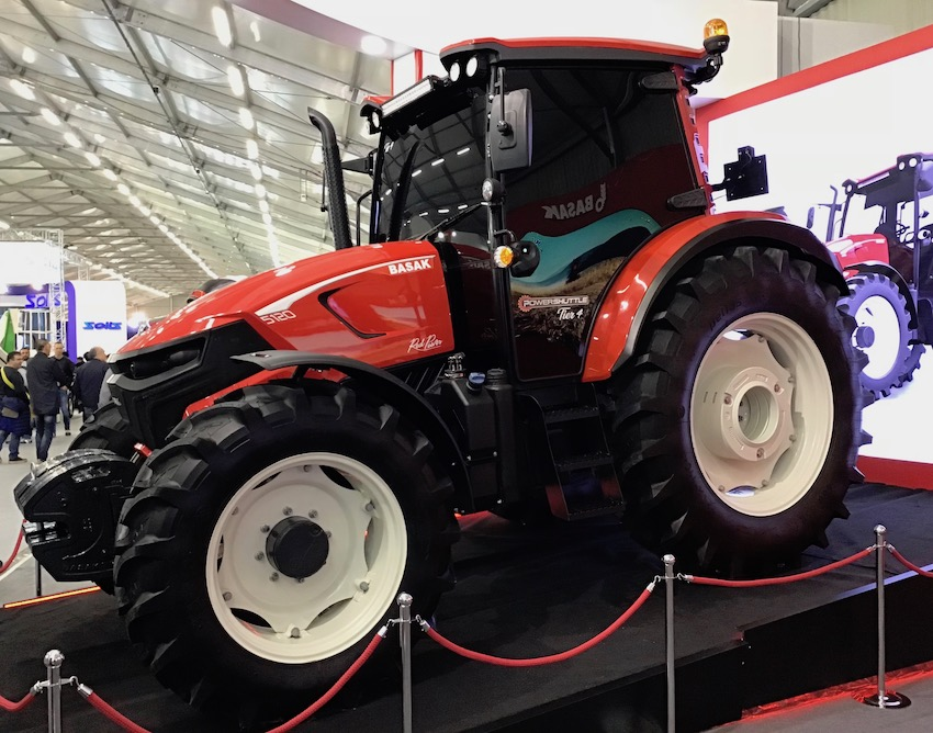 Sima 2019: tra i trattori, in cerca di anteprime
