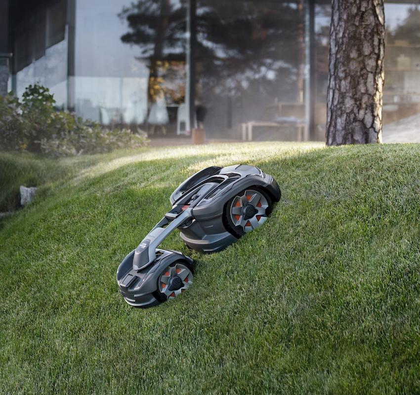 Husqvarna: Automower® 435X AWD, il robot tagliaerba con trazione integrale 4×4