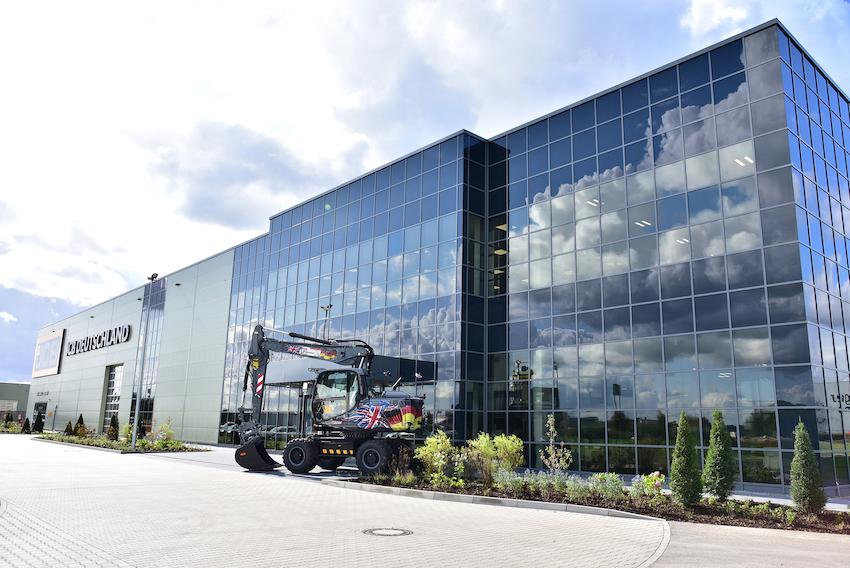 JCB: inaugurata la nuova sede in Germania