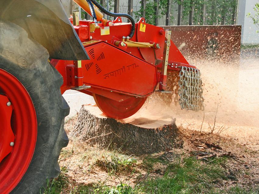 """Seppi M.: una gamma completa per """"sfidare"""" sassi, radici, ceppi e grandi residui legnosi"""