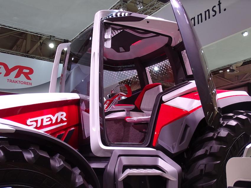 """Steyr Konzept: propulsione ibrida per il """"trattore del futuro"""", che è già presente"""