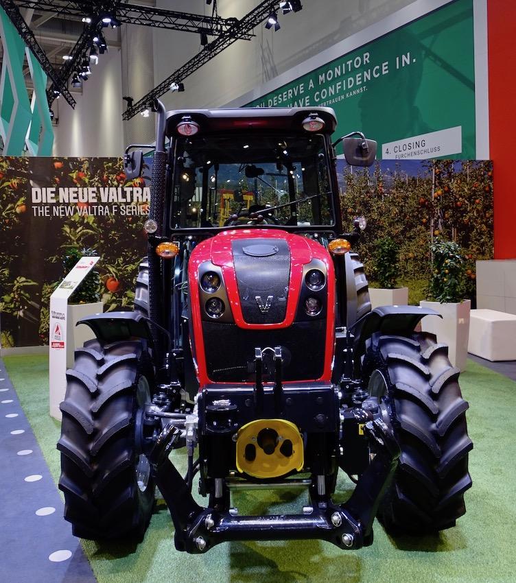 Valtra: presentata all'Agritechnica la serie F, per vigneto e frutteto