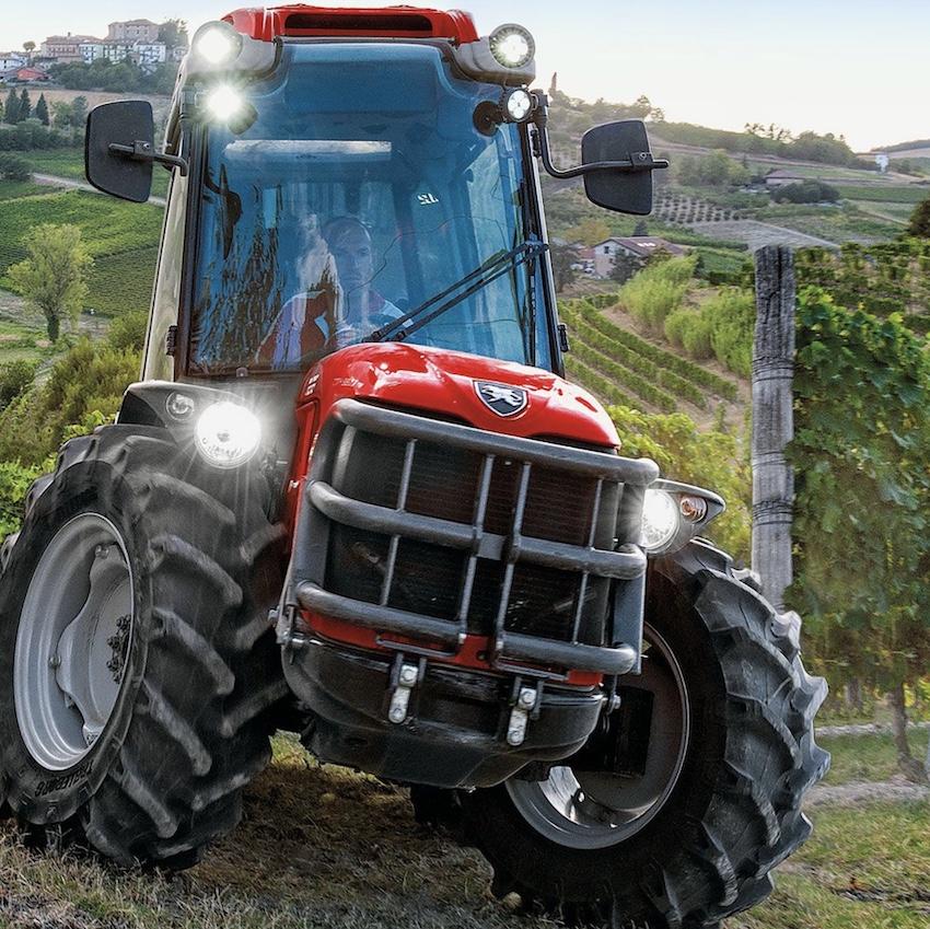 Antonio Carraro: cabine speciali per trattori altrettanto speciali