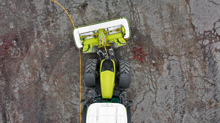 Claas: bracci del sollevatore oscillanti per uno sfalcio ottimizzato