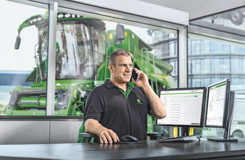 John Deere Connected Support™: vicini al cliente, mantenendo la distanza
