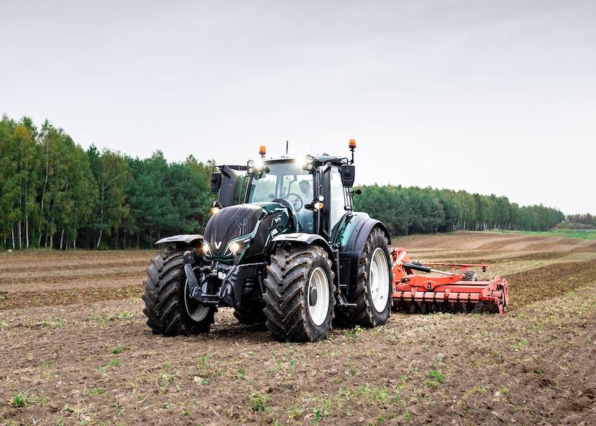 Valtra: il trattore si guida da remoto, con il 5G di Elisa