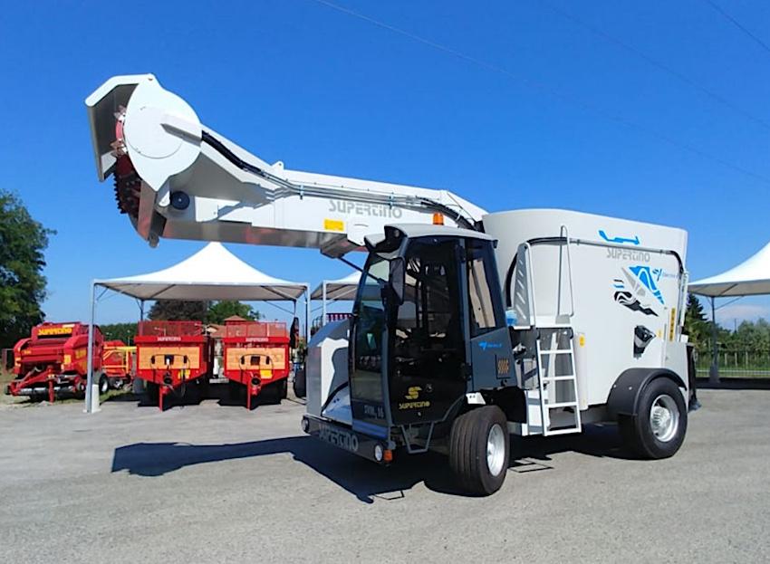 Supertino: Electra 2, carro trincia miscelatore verticale semovente elettrico al 100 per cento